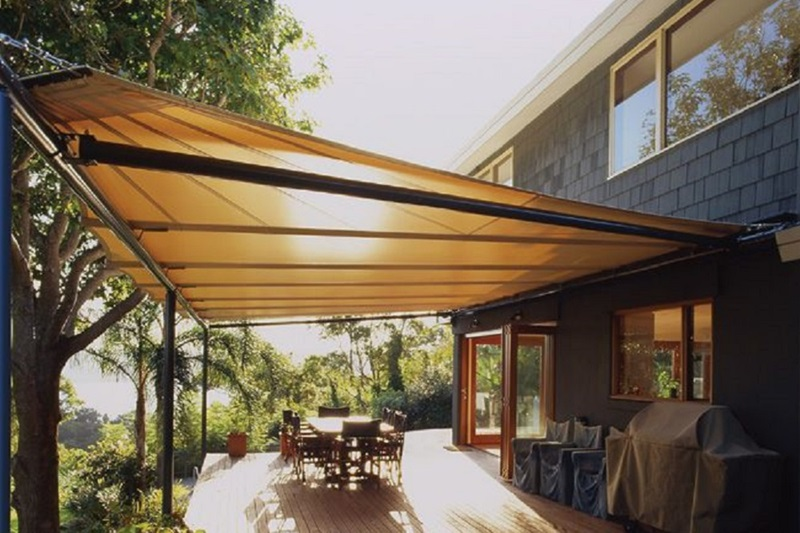 Advantages of Using Outdoor Shades in the Residential Buildings