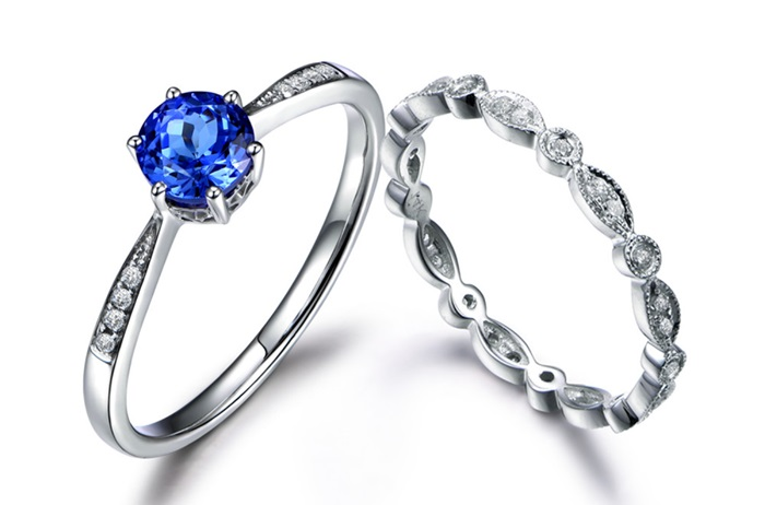 Situations You Need To Go Without Your Engagement Ring